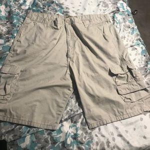 Men's Cargo Shorts. Sz 42.